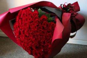 赤バラ101本の花束