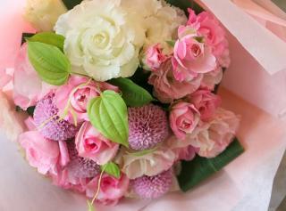 可愛いピンクのブーケ
