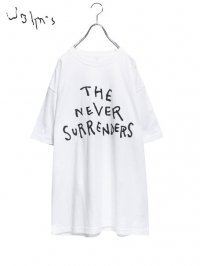 【John's by Johnny】<br>The Never Surrenders Tee / WHITE