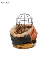 【GILET】<br>LEATHER PATCHWORK NECK WARMER