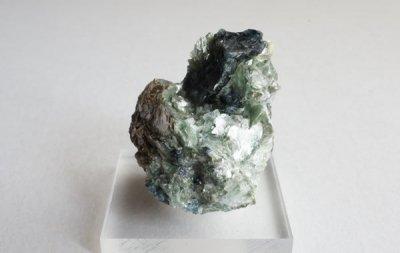 フルオドラバイト Fluor-Dravite