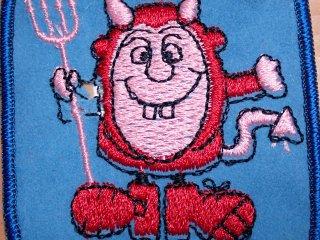 ビンテージ デッドストックワッペン アイテム#245 ピンクdevil 只今2000円以上お買い上げで送料無料中! 1970'S