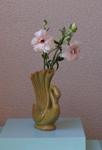 SOLD swan mustard vase / 白鳥マスタード色の花器