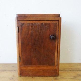 イギリス ヴィンテージ 小ぶりな木製キャビネット
