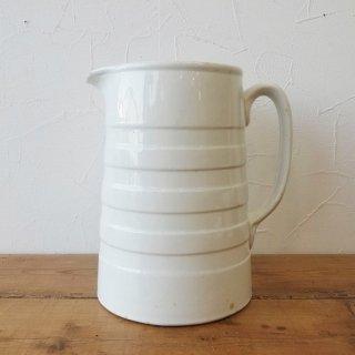 イギリス ヴィンテージ ホワイトバンドの陶器製ジャグ 大きなサイズ 21cm
