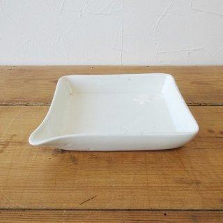 イギリス ヴィンテージ 片口付き 陶器製の小ぶりなトレイ