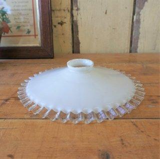フランス アンティーク ミルクガラスのフリルシェード 26cm A
