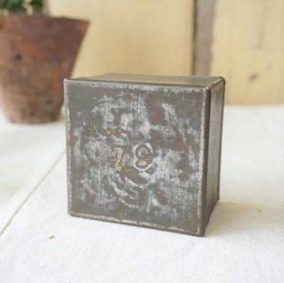 イギリス アンテイーク 紅茶のサンプル缶 ナンバーリング ブリキ缶 79