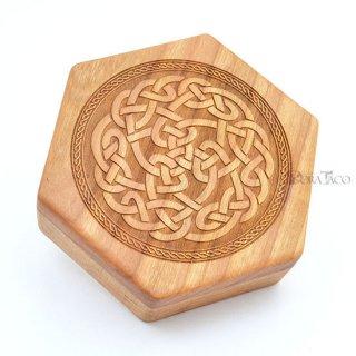 六角形ダイスボックス【ケルトロープ/チェリー木材】