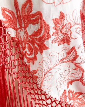 hpc175シージョ 白×コーラル刺しゅう 綿のような生地〈Rimaデザイン〉