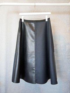 レザーボンディングフレアスカート