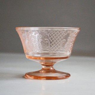 脚付きガラス食器/ピンクガラス/ヴィンテージ/カナダ