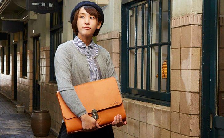 ビジネスでレディースにおすすめの革のクラッチバッグ
