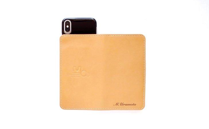 カメラ穴のない革の手帳型スマホケース