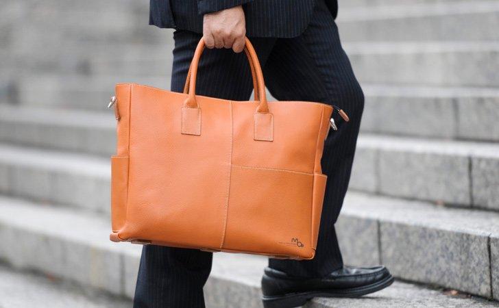 レデーィスにおすすめバーミリオンの革のビジネストートバッグ