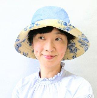 339.お花のリバーシブルキャプリーヌL 黄色に青い花×水色