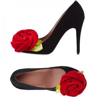 25.0cm■レンタルシューズ■Product code:00086   RED VALENTINO Velvet red rose corsage Pumps(レッド ヴァレンティノ パンプス)