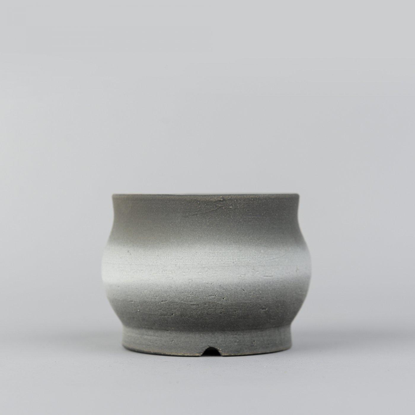 [Yoko Nishida] Curved pot monochrome