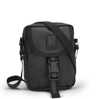 <img class='new_mark_img1' src='https://img.shop-pro.jp/img/new/icons1.gif' style='border:none;display:inline;margin:0px;padding:0px;width:auto;' />CHROME / SHOULDER ACCESSORY POUCH BLCKCHRM
