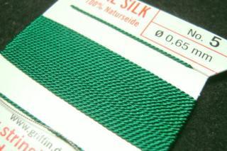 針がついているので通すの簡単。0号〜6号グリフィン糸(シルク)/グリーン 2M