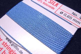 針がついているので通すの簡単。7号〜16号グリフィン糸(シルク)/ブルー 2M