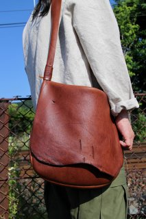 □ KUDU nomad bag【M】 [AUTUMN]
