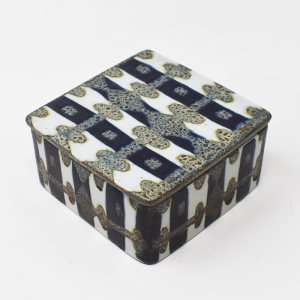 Royal Copenhagen / Baca / 白と紺の蓋付ボックス / Nils Thorson / Denmark
