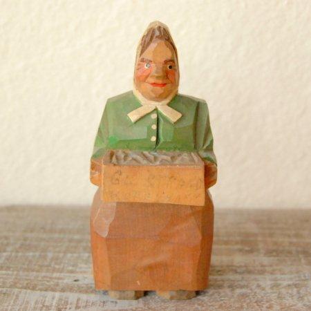 物売りの女 / 木彫人形 / Denmark