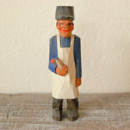 白いエプロンをつけた男 / 木彫人形 / Denmark