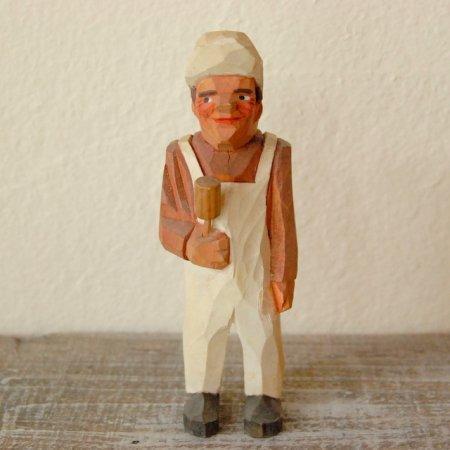 白いつなぎを着た男 / 木彫人形 / Denmark