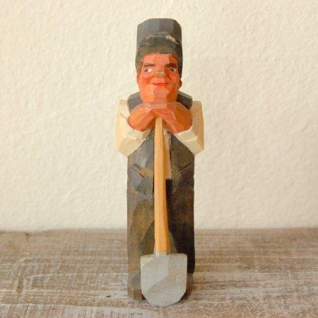 シャベルを持つ男 / 木彫人形 / Denmark