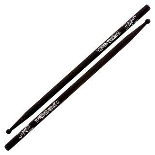 Zildjian (ジルジャン) アーティストシリーズ トラヴィス・バーカーモデル ドラムスティック ブラック 416 x 15.1mm (1ペア)【定形外郵便】【送料無料】