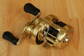 <img class='new_mark_img1' src='//img.shop-pro.jp/img/new/icons20.gif' style='border:none;display:inline;margin:0px;padding:0px;width:auto;' />Shimano / Calcutta Conquest 200/201