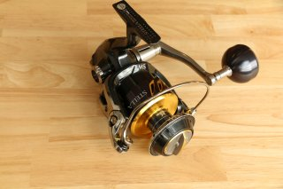 <img class='new_mark_img1' src='https://img.shop-pro.jp/img/new/icons20.gif' style='border:none;display:inline;margin:0px;padding:0px;width:auto;' />Shimano / Stella SW 8000HG