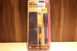 Maglite /LED Flashlight 2-Cell AA Size