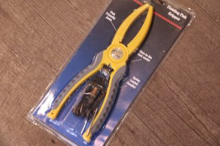Bass Pro Shops / Floating Fish Gripper