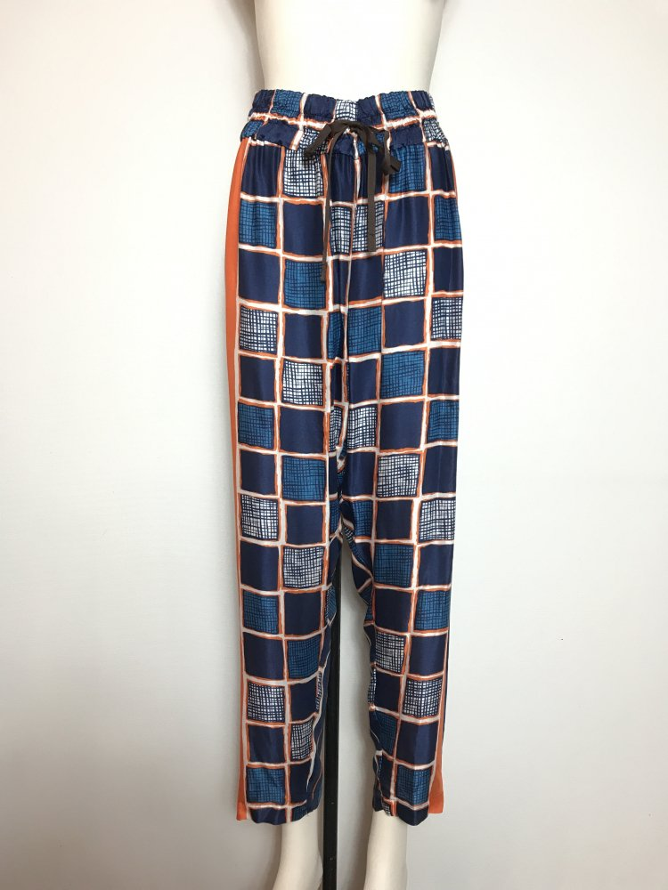 <img class='new_mark_img1' src='https://img.shop-pro.jp/img/new/icons20.gif' style='border:none;display:inline;margin:0px;padding:0px;width:auto;' />70%OFF SQUARE/P RELAX PANTS
