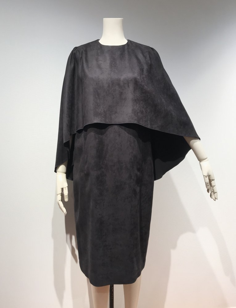 <img class='new_mark_img1' src='https://img.shop-pro.jp/img/new/icons20.gif' style='border:none;display:inline;margin:0px;padding:0px;width:auto;' />60%OFF F/SUEDE SHAWL DRESS