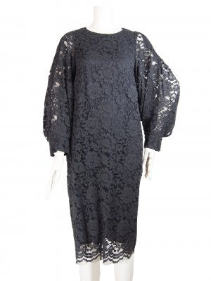 <img class='new_mark_img1' src='https://img.shop-pro.jp/img/new/icons20.gif' style='border:none;display:inline;margin:0px;padding:0px;width:auto;' />50%OFF LORA LACE VOLUME-SLEEVE DRESS