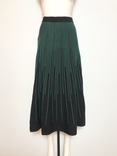 <img class='new_mark_img1' src='https://img.shop-pro.jp/img/new/icons20.gif' style='border:none;display:inline;margin:0px;padding:0px;width:auto;' />50%OFF INSIDE /C PLEATS SKIRT