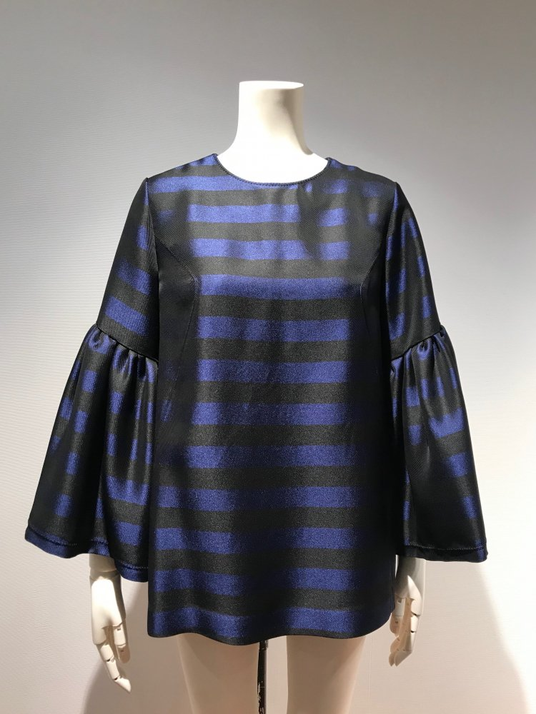 <img class='new_mark_img1' src='https://img.shop-pro.jp/img/new/icons20.gif' style='border:none;display:inline;margin:0px;padding:0px;width:auto;' />50%OFF TWILL BORDER BIG-SLEEVE TOPS
