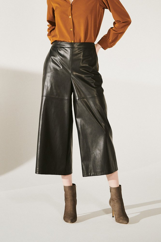 <img class='new_mark_img1' src='https://img.shop-pro.jp/img/new/icons53.gif' style='border:none;display:inline;margin:0px;padding:0px;width:auto;' />ECO-LEATHER  CULOTTES PANTS ※新色入荷
