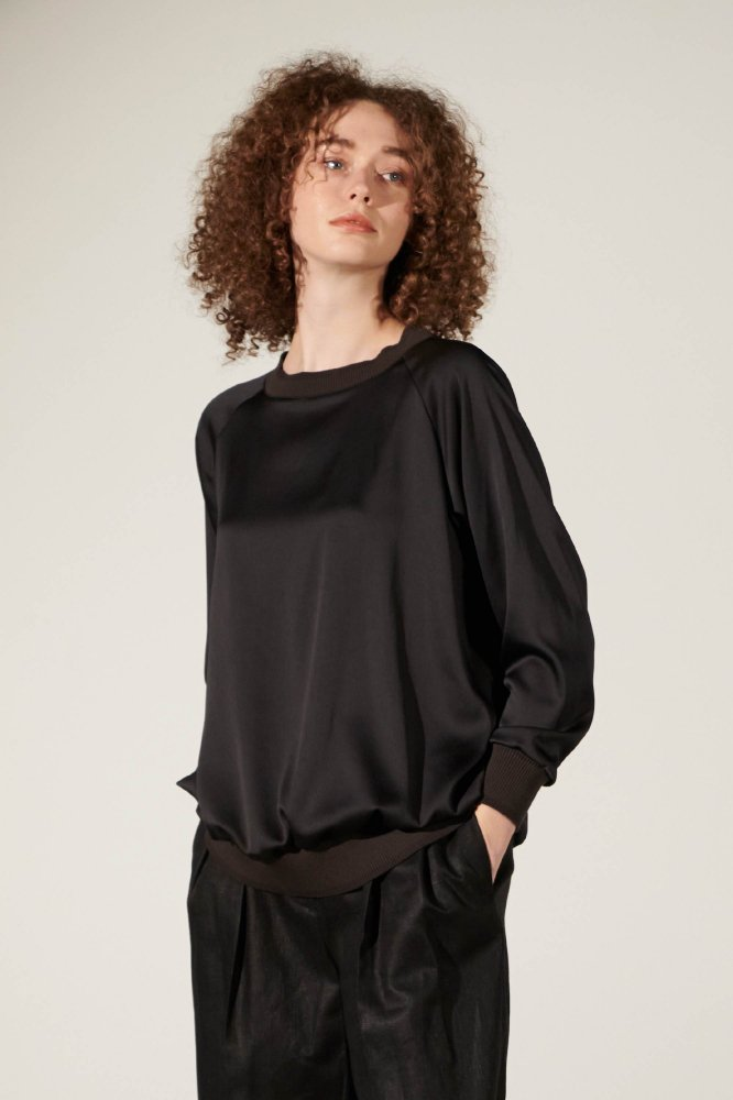 <img class='new_mark_img1' src='https://img.shop-pro.jp/img/new/icons2.gif' style='border:none;display:inline;margin:0px;padding:0px;width:auto;' />【予約】VIN SATIN RAGLAN TOPS
