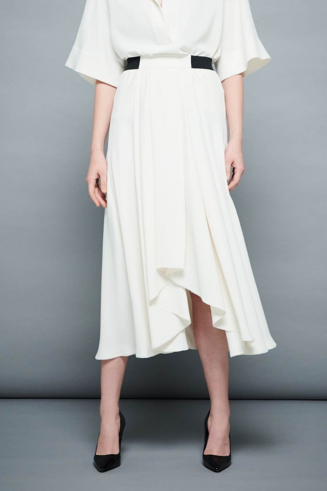 <img class='new_mark_img1' src='https://img.shop-pro.jp/img/new/icons2.gif' style='border:none;display:inline;margin:0px;padding:0px;width:auto;' />VINTAGE-SATIN DRAPE SKIRT
