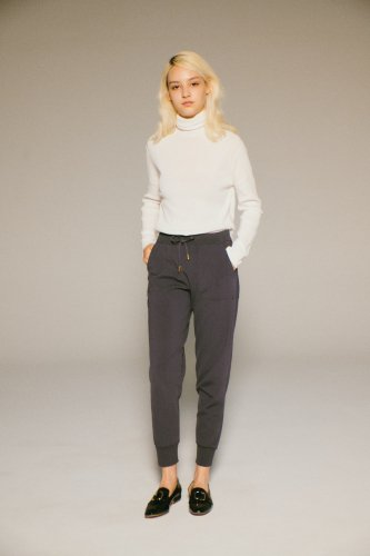 <img class='new_mark_img1' src='https://img.shop-pro.jp/img/new/icons1.gif' style='border:none;display:inline;margin:0px;padding:0px;width:auto;' />VISCOSE DRAW-CORD RELAX PANTS