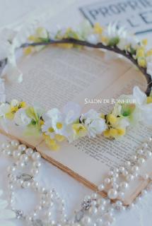 afc-7ナチュラルな白と黄色の花冠
