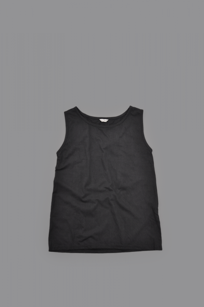 jujudhau ♀ SHALLOW NECK TANK TOP (BLACK)