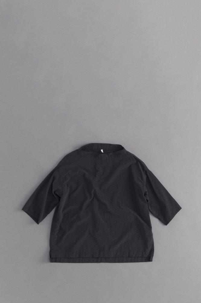FIRMUM ナイロンタッサー ビッグモックネックシャツ (ブラック)