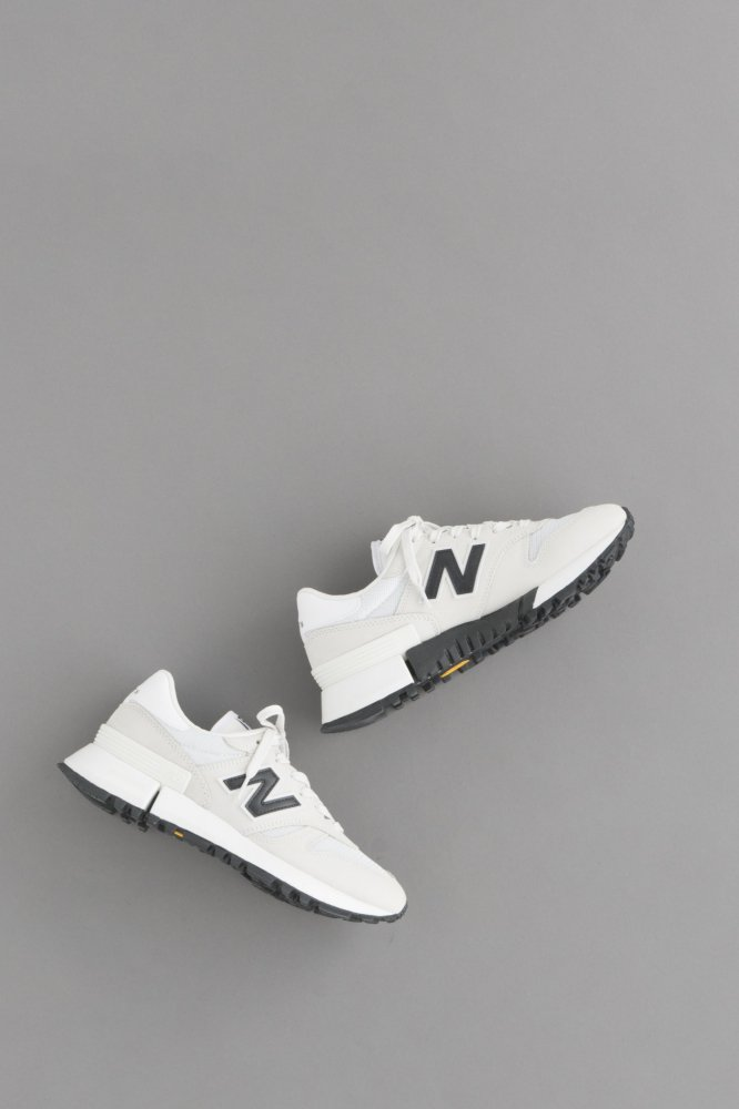 COMME des GARCONS HOMME CdG H × NB RC1300 (White)
