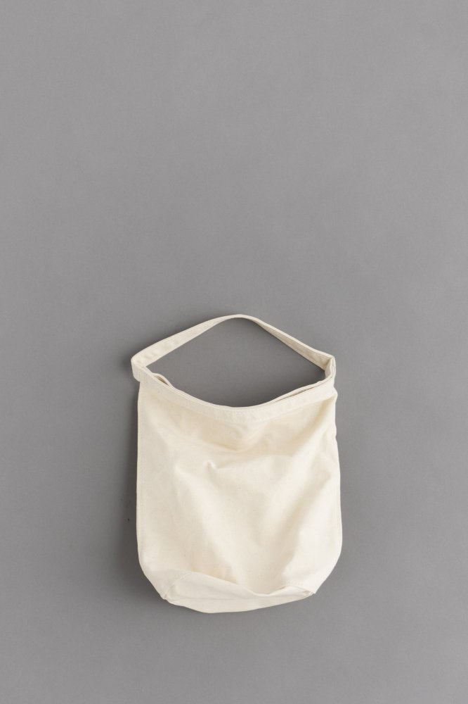STUFF Bucket Tote 1 (Off Cotton)